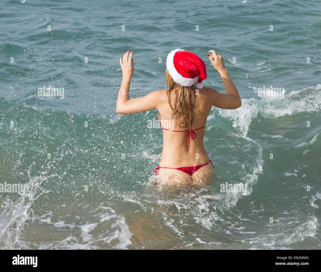 Celebrating Christmas on the beach in Las Palmas, Gran Canaria ...