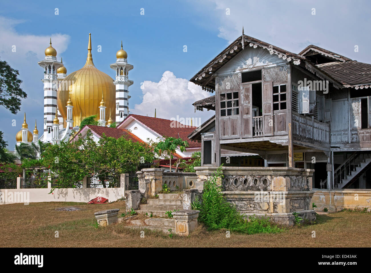 Ubudiah mosque masjid ubudiah and old traditional for Classic house kl
