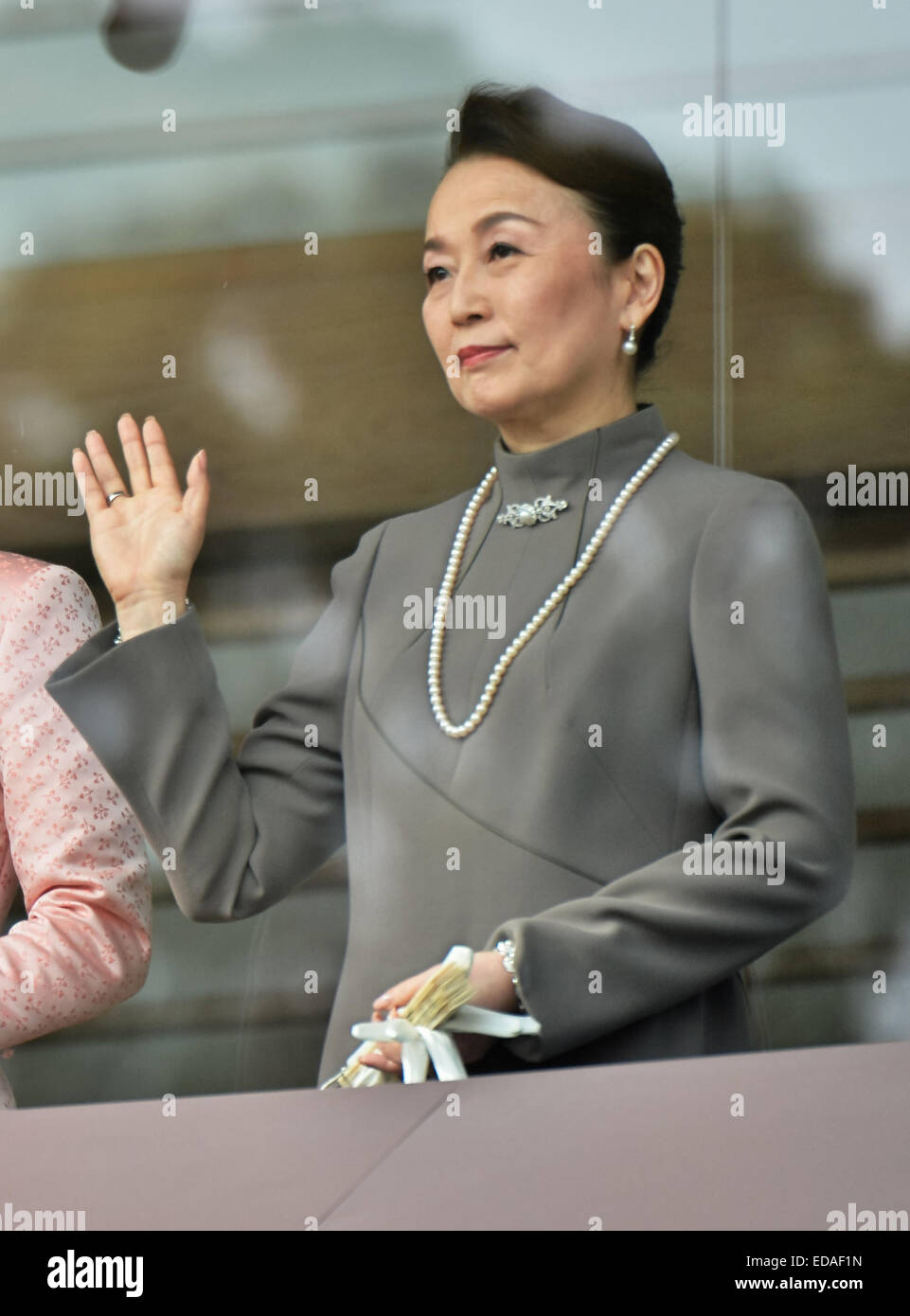 Emperor, Akihito, January 2, 2015, Tokyo, Japan : Japan's Princess Nobuko waves to well-wishers during a New Year public appearance at the East Plaza, Imperial Palace in Tokyo, Japan, on January 2, 2015. Credit:  AFLO/Alamy Live News