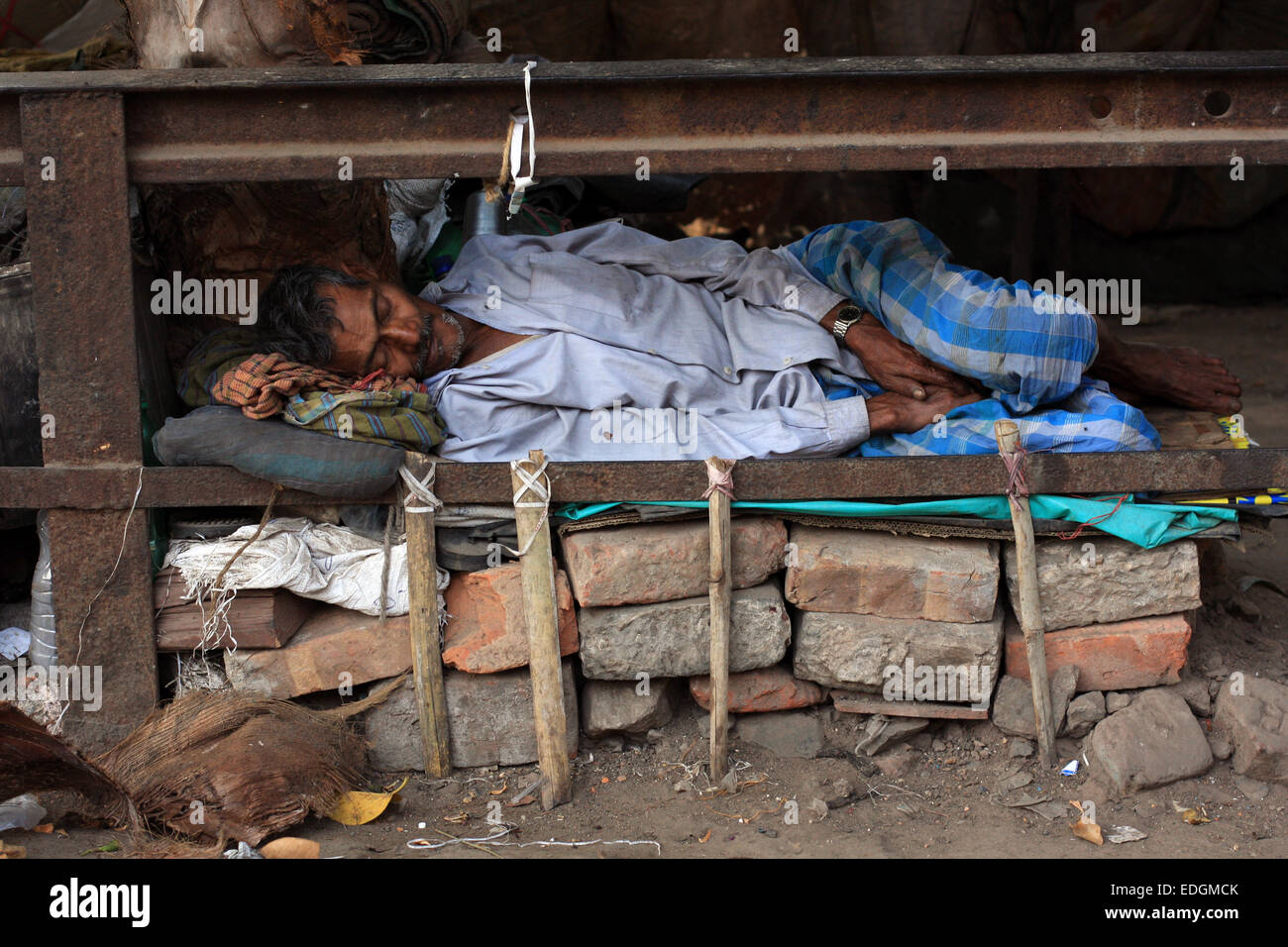 Makeshift Bed 28 Images Life On C Growl Saf Soldiers