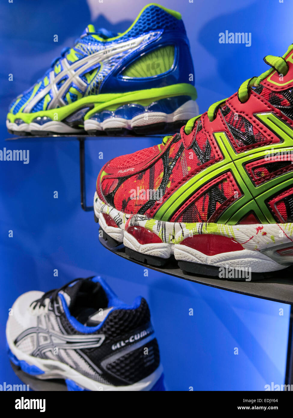 Athletic footwear stores. Online shoes for women