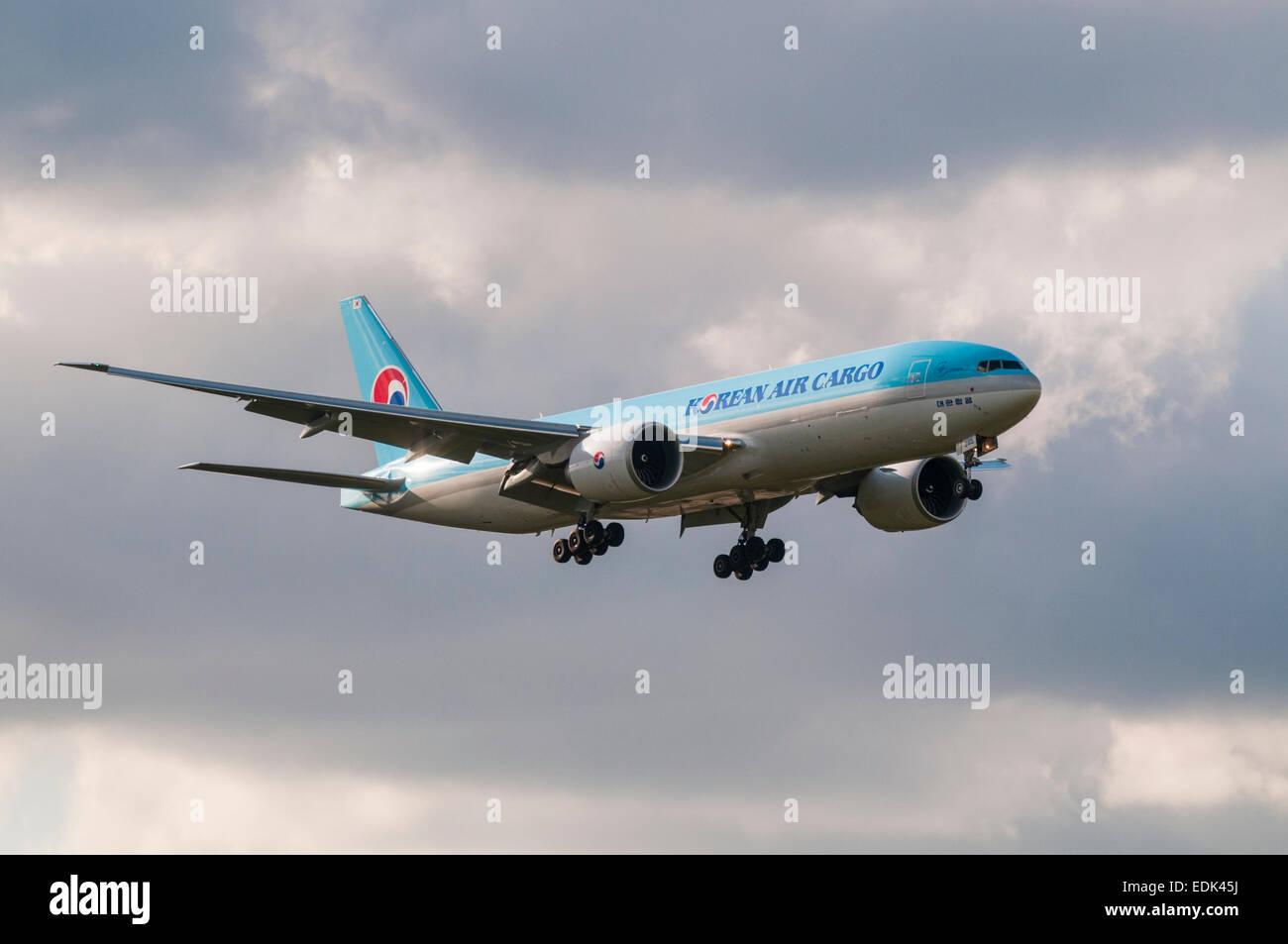 Korean Air Cargo Boeing 777 Freight Aeroplaneing In To Land