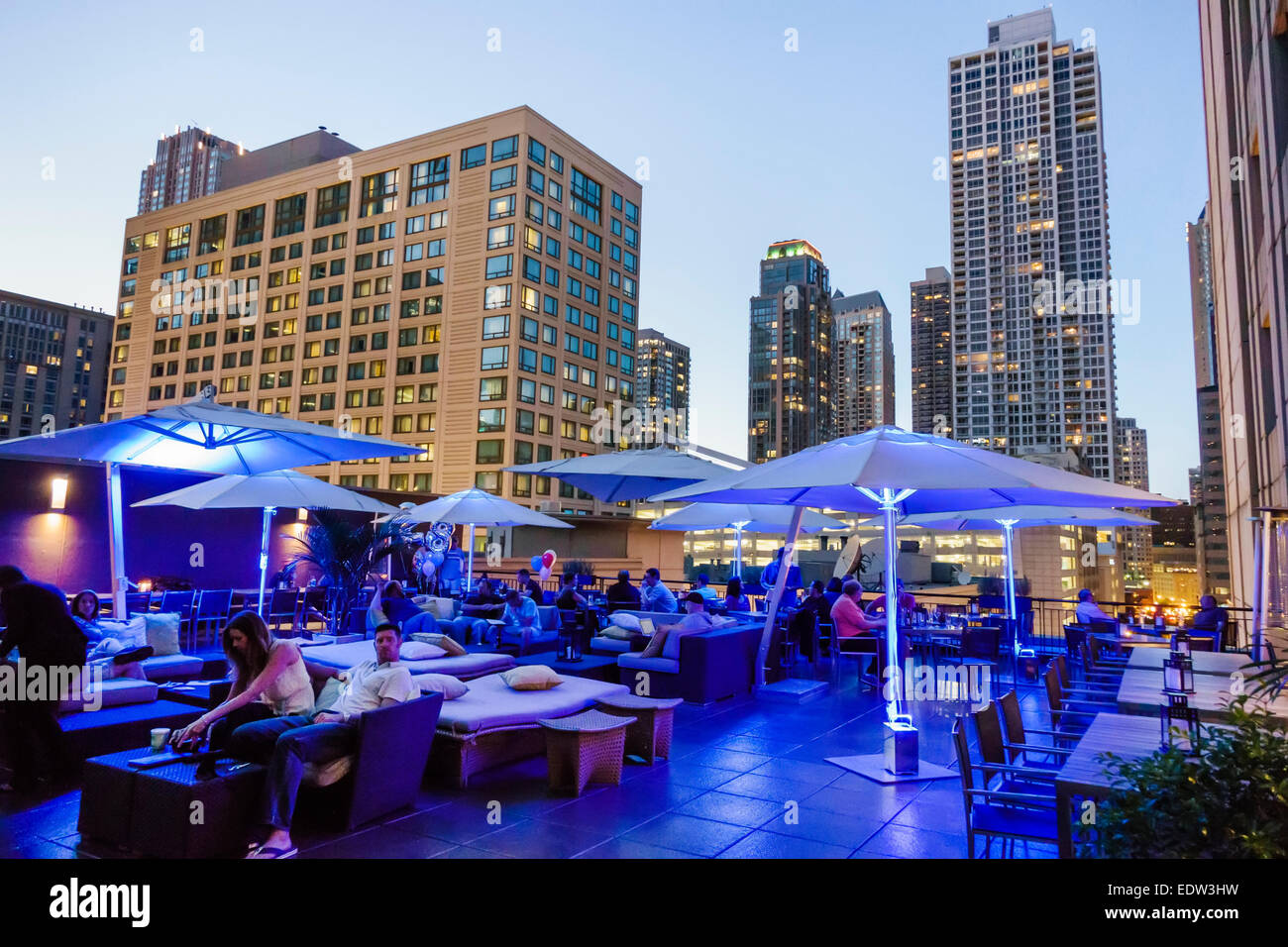 Hilton Chicago Restaurants Near