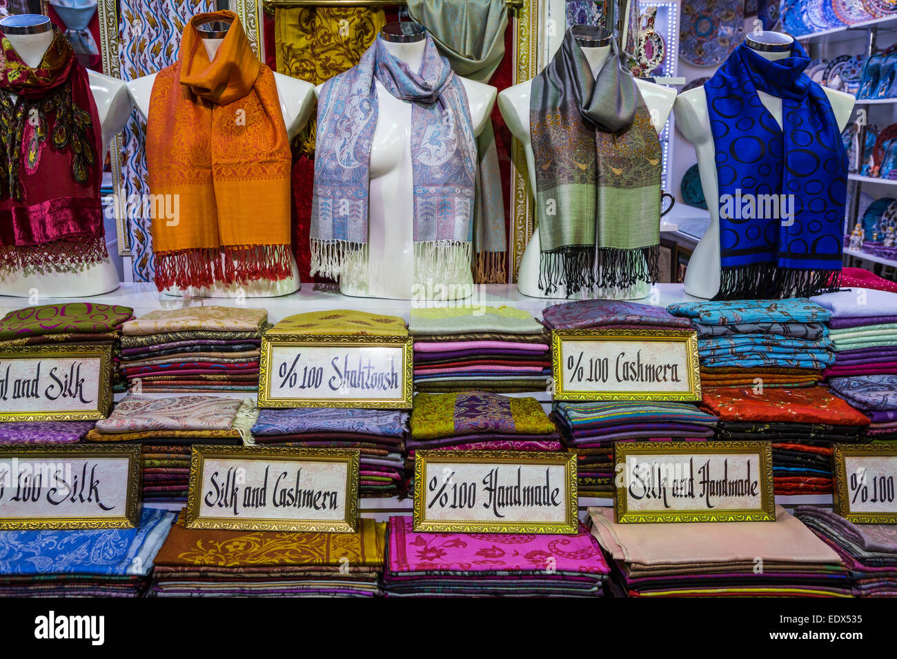 A scarf shop in the Grand Bazaar, Sultanahmet, Istanbul, Turkey ...