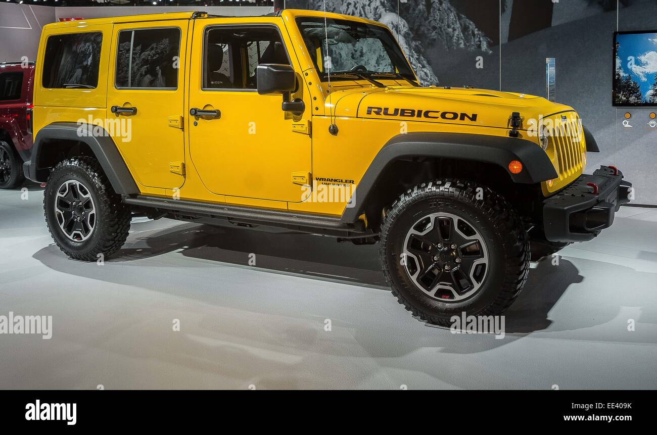 detroit mi usa 12th jan 2015 a 4 door jeep wrangler rubicon stock photo royalty free image. Black Bedroom Furniture Sets. Home Design Ideas