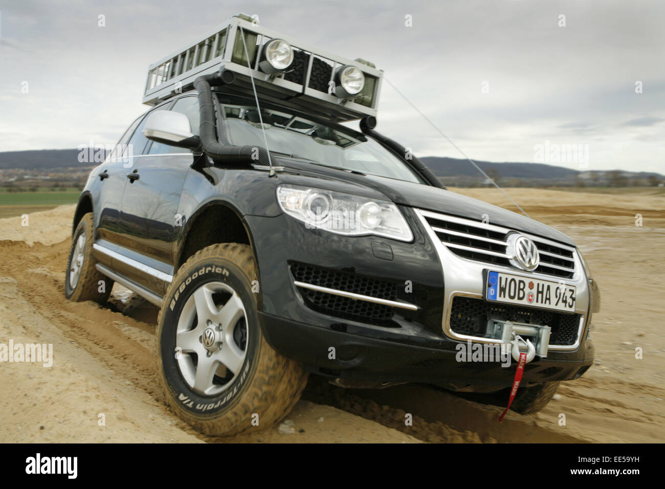 auto vw volkswagen touareg offroad gelaende. Black Bedroom Furniture Sets. Home Design Ideas