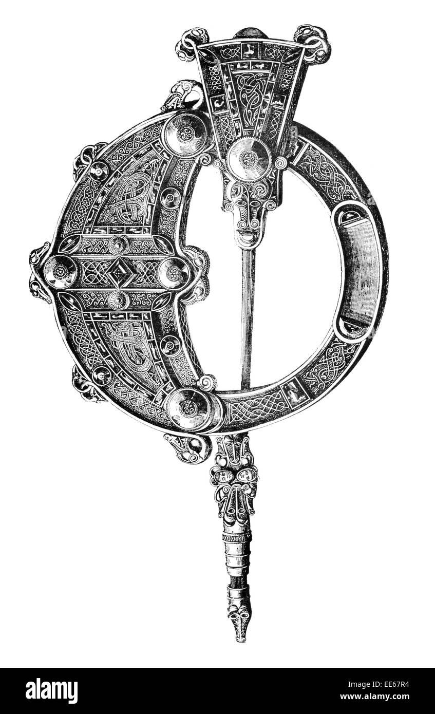 Anglo saxon art stock photos anglo saxon art stock images alamy tara brooch front drogheda celtic anglo saxon ancient art jewelry pin irish pseudo penannular silver buycottarizona Images