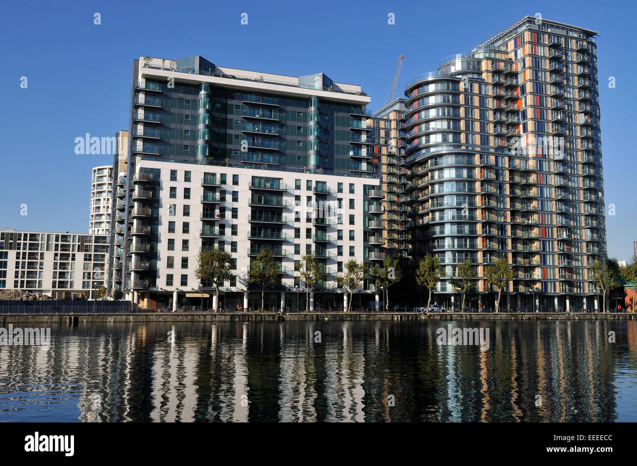 High rise apartment buildings, 31 and 41 Millharbour in London ...