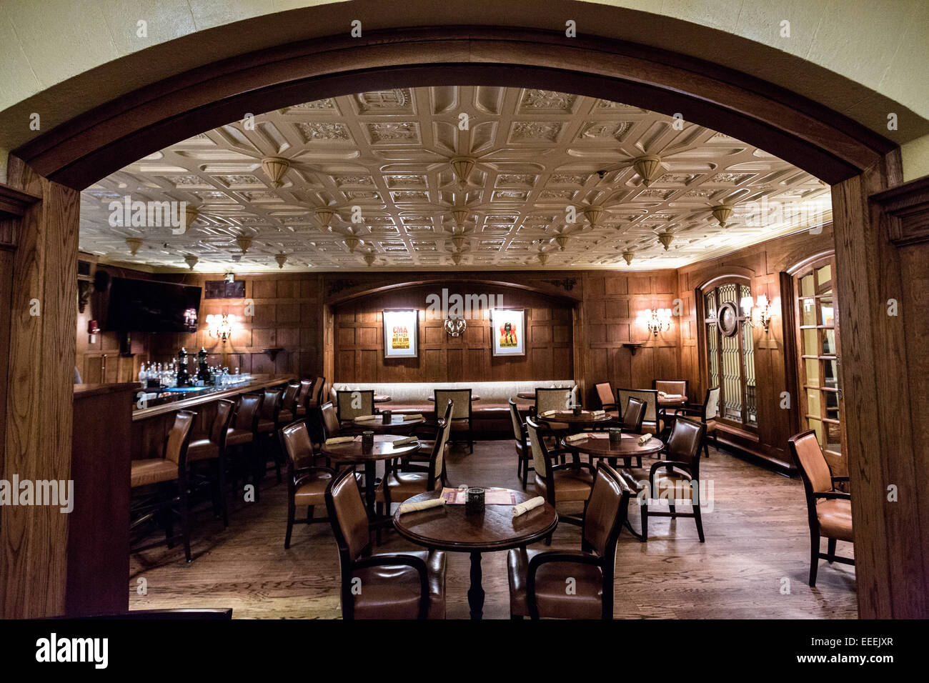 Oak room bar in the historic the hermitage hotel in for Dining nashville tn