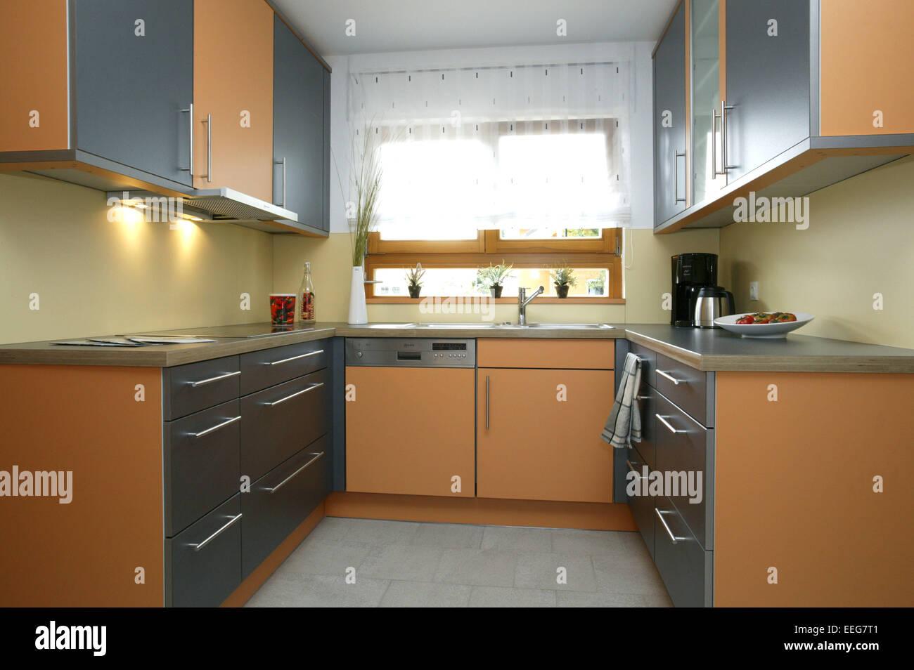 Inneneinrichtung Wohnung kueche wohnen innenaufnahme inneneinrichtung wohnung wohnraum stock