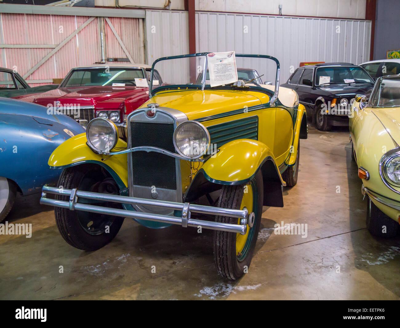 American Austin Car On Display Inside The Sarasota Classic - Classic car 1930