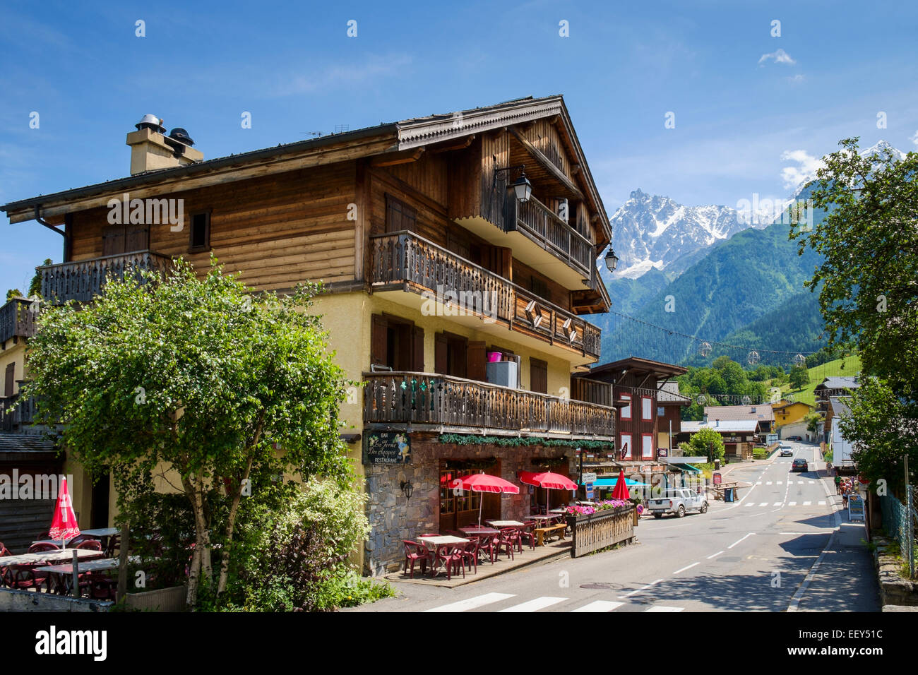Hotel with bar cafe in les houches chamonix french alps for Les hotels francais