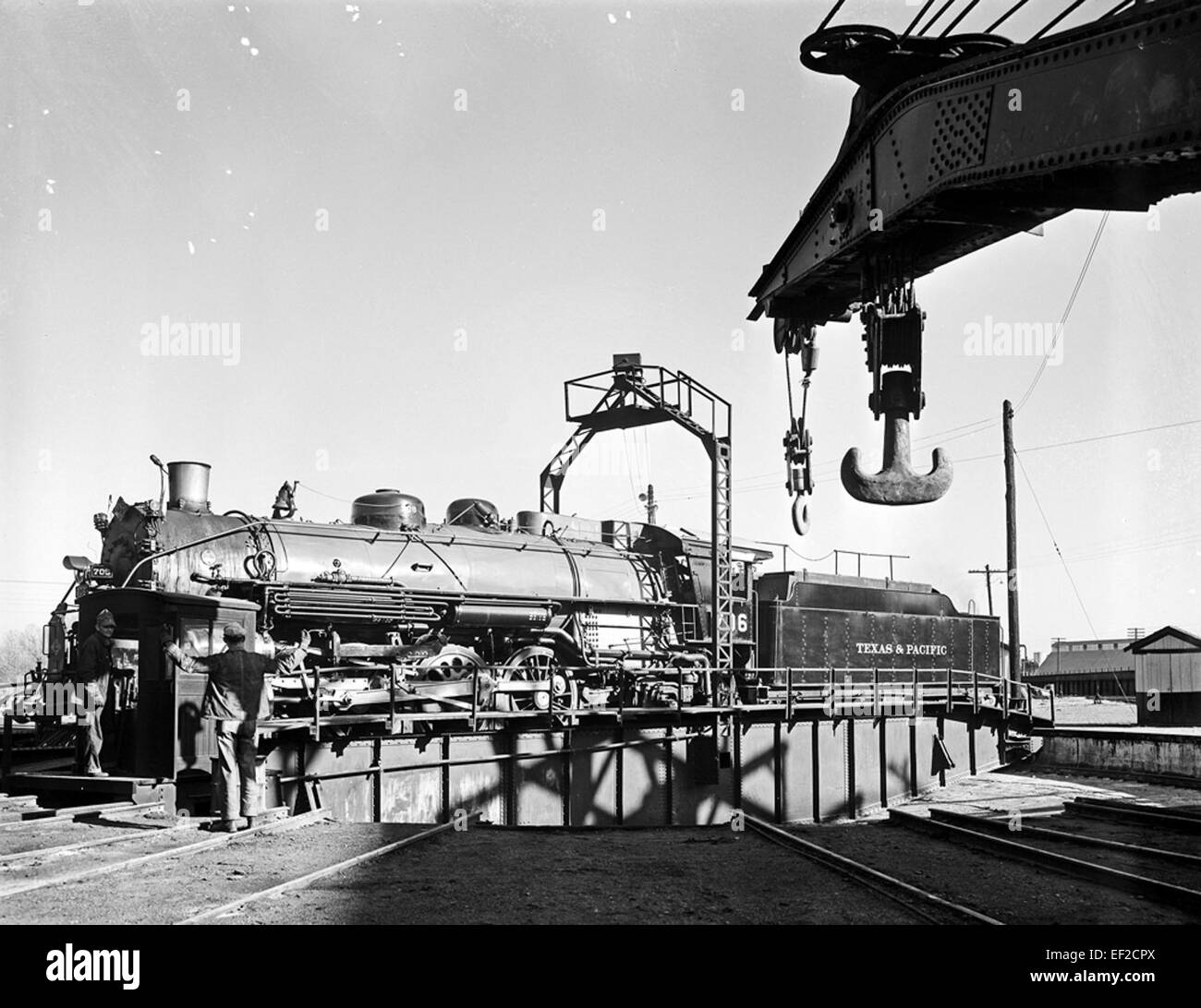 [Locomotive 706 on Turntable, Texas & Pacific Railway ... Pacific Railway Company