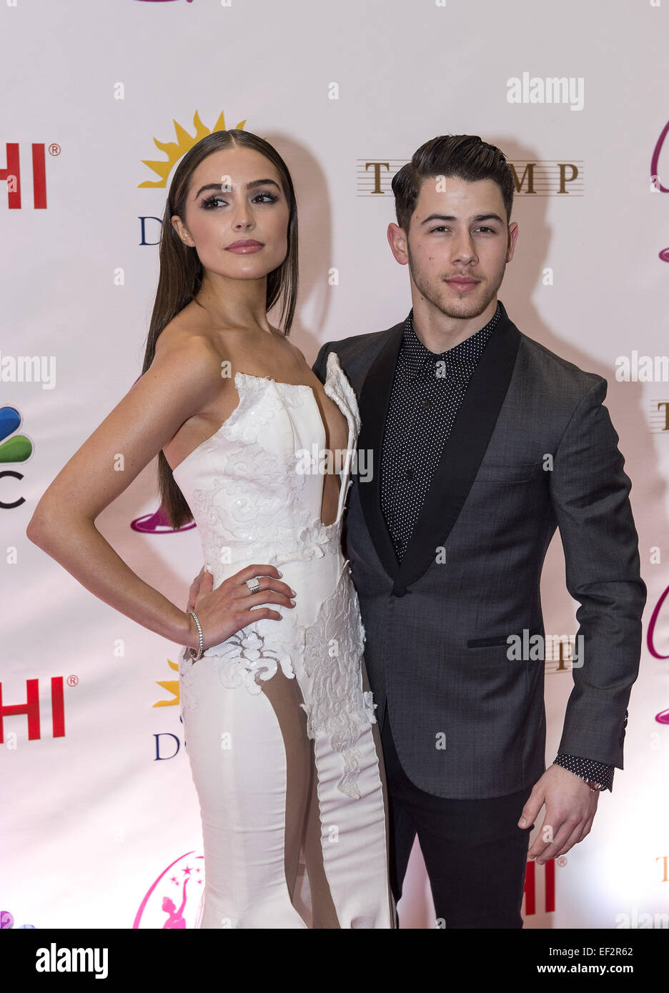 jonas brother dating miss universe Middle jonas brother nick jonas is dating miss universe olivia culpo the duo were spotted out on a date at the ovest pizzoteca restaurant in new york city late last week.