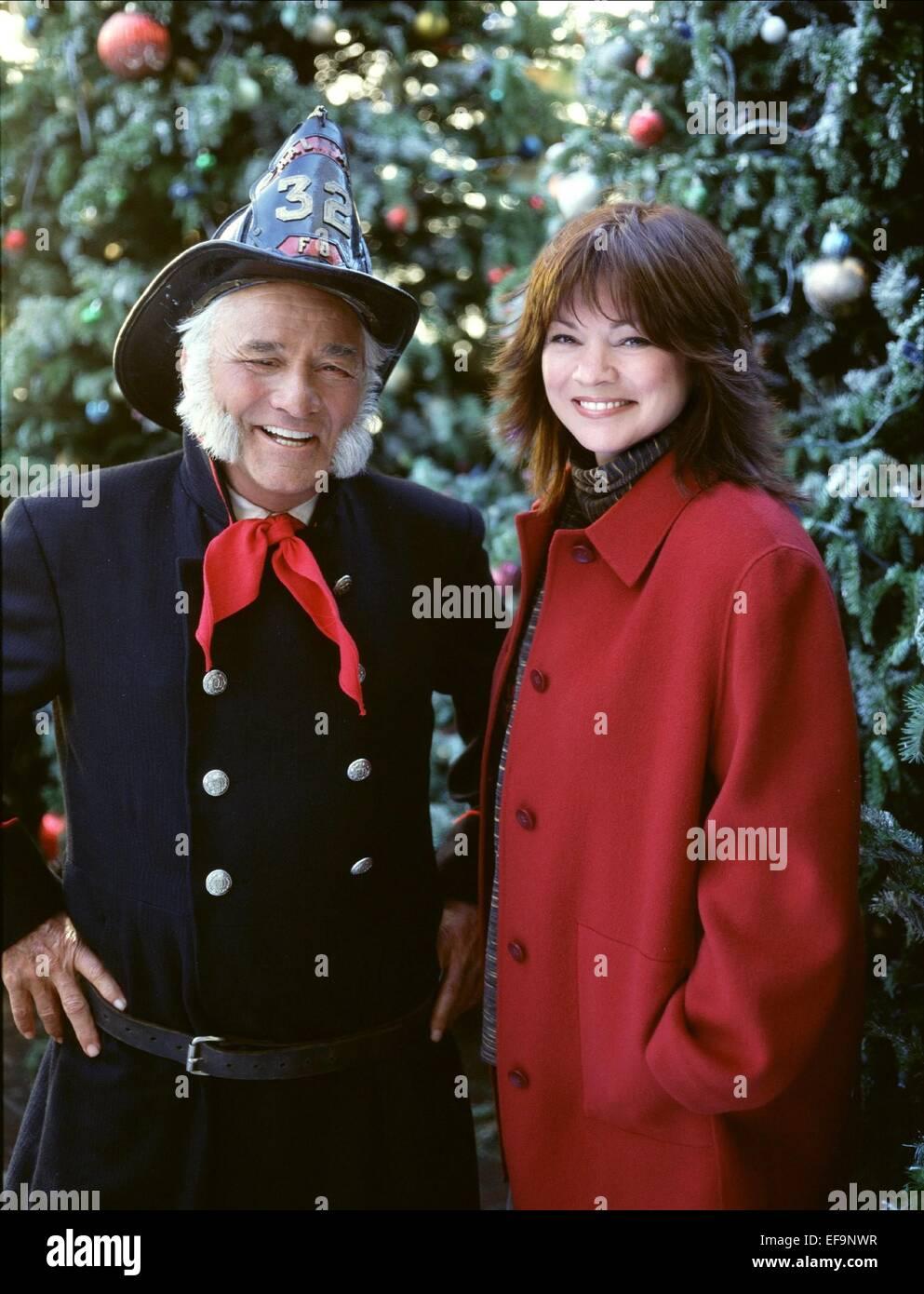 PETER FALK & VALERIE BERTINELLI FINDING JOHN CHRISTMAS (2003 Stock ...