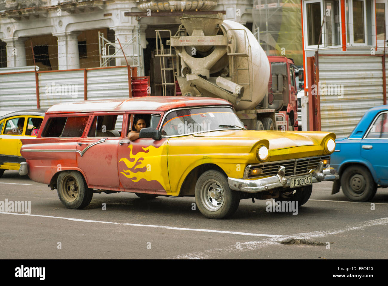Old 1950s Us Classic Car Stock Photos & Old 1950s Us Classic Car ...