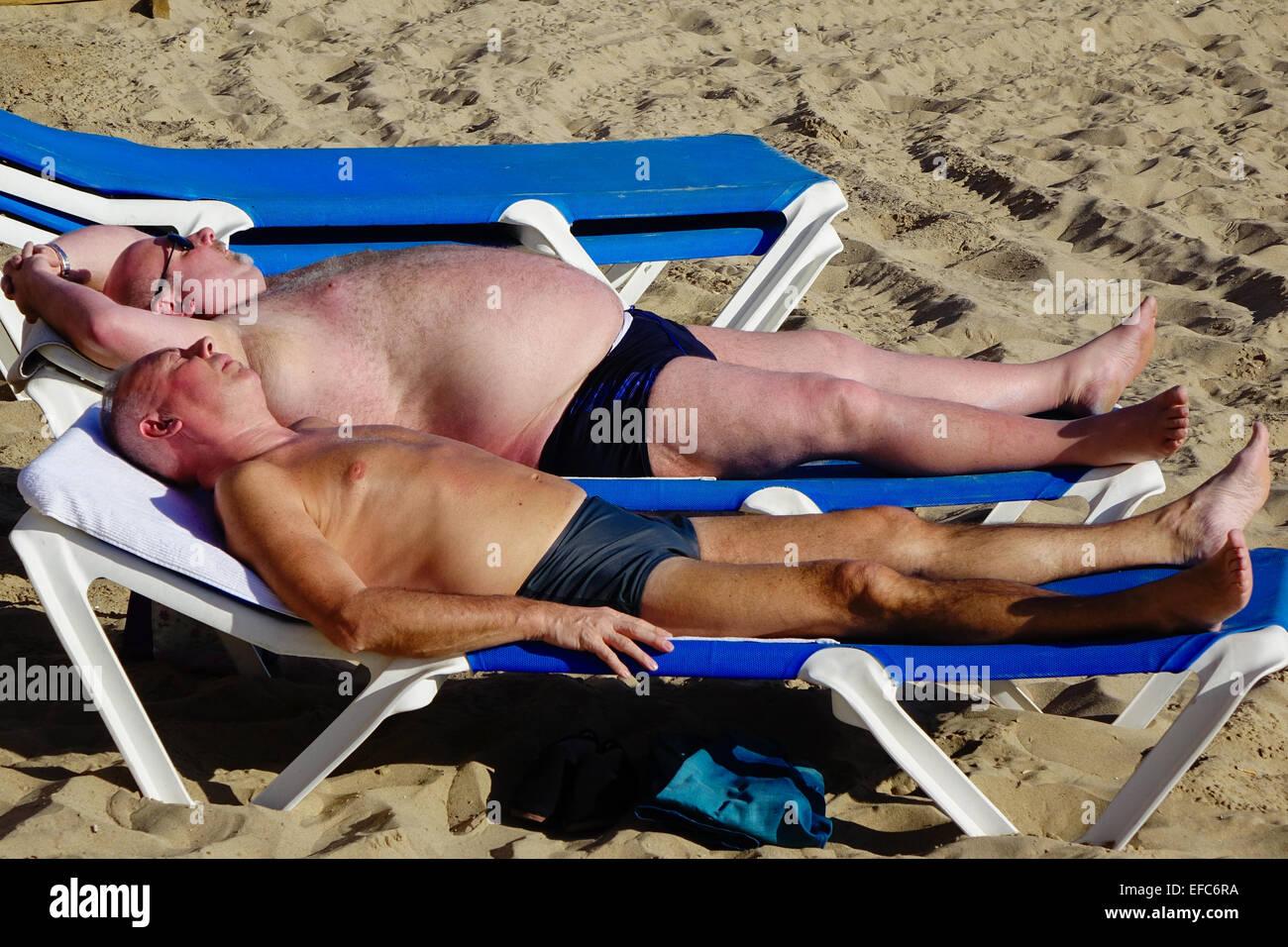 naked men sunbathing pics