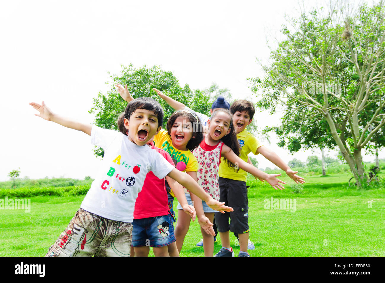 indian children group crowds friends Park Mischief Stock ...