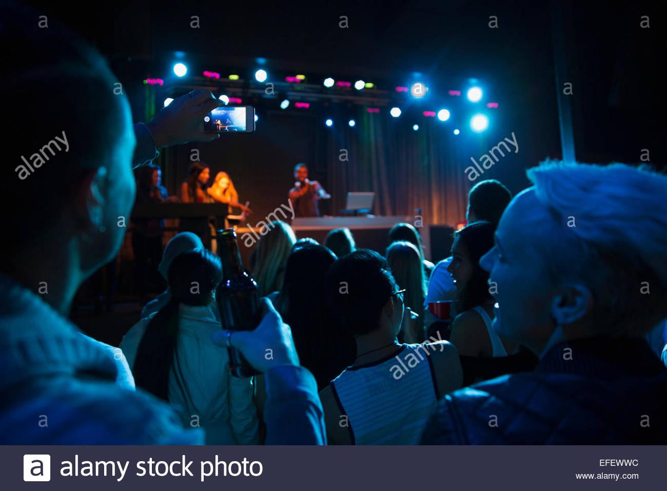 Dj stage crowd