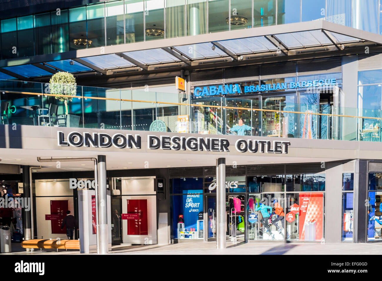 London designer outlet shopping centre wembley park for Design on line outlet