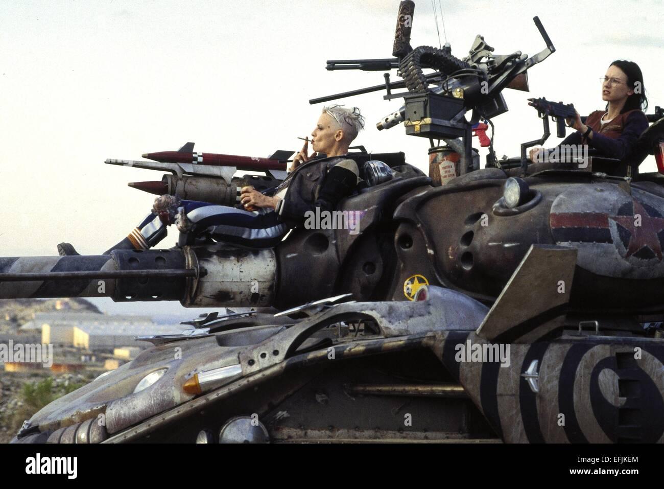 Фото девушек на танке 18 фотография
