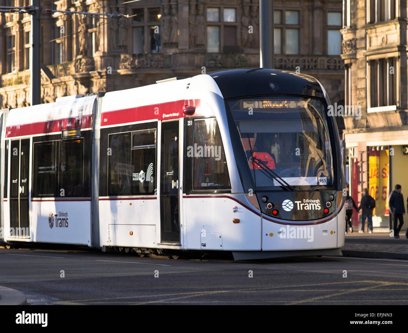 Dh Edinburgh Trams TRANSPORT EDINBURGH Tram In New Town Modern Uk Travel