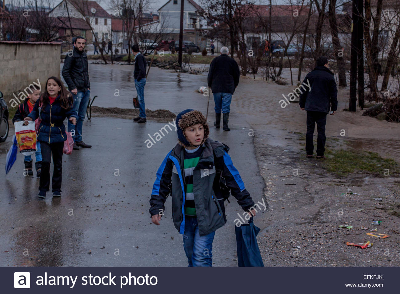 School Children Try To Find A Way Out Of Flood Zones A General View Shows  Flooded How To Find The Area