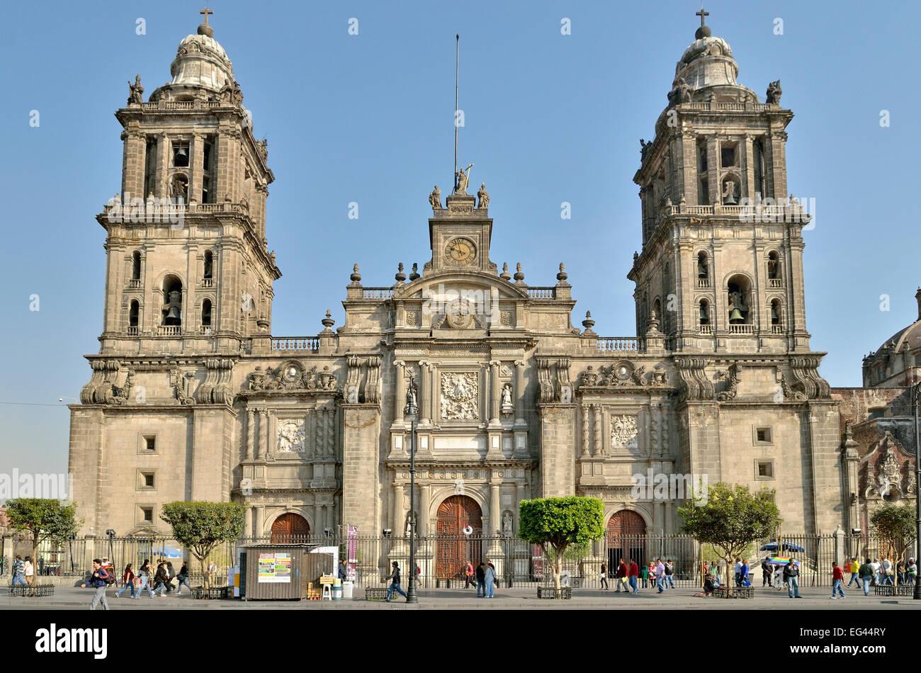 Metropolitan cathedral catedral metropolitana main - Zocalo exterior ...
