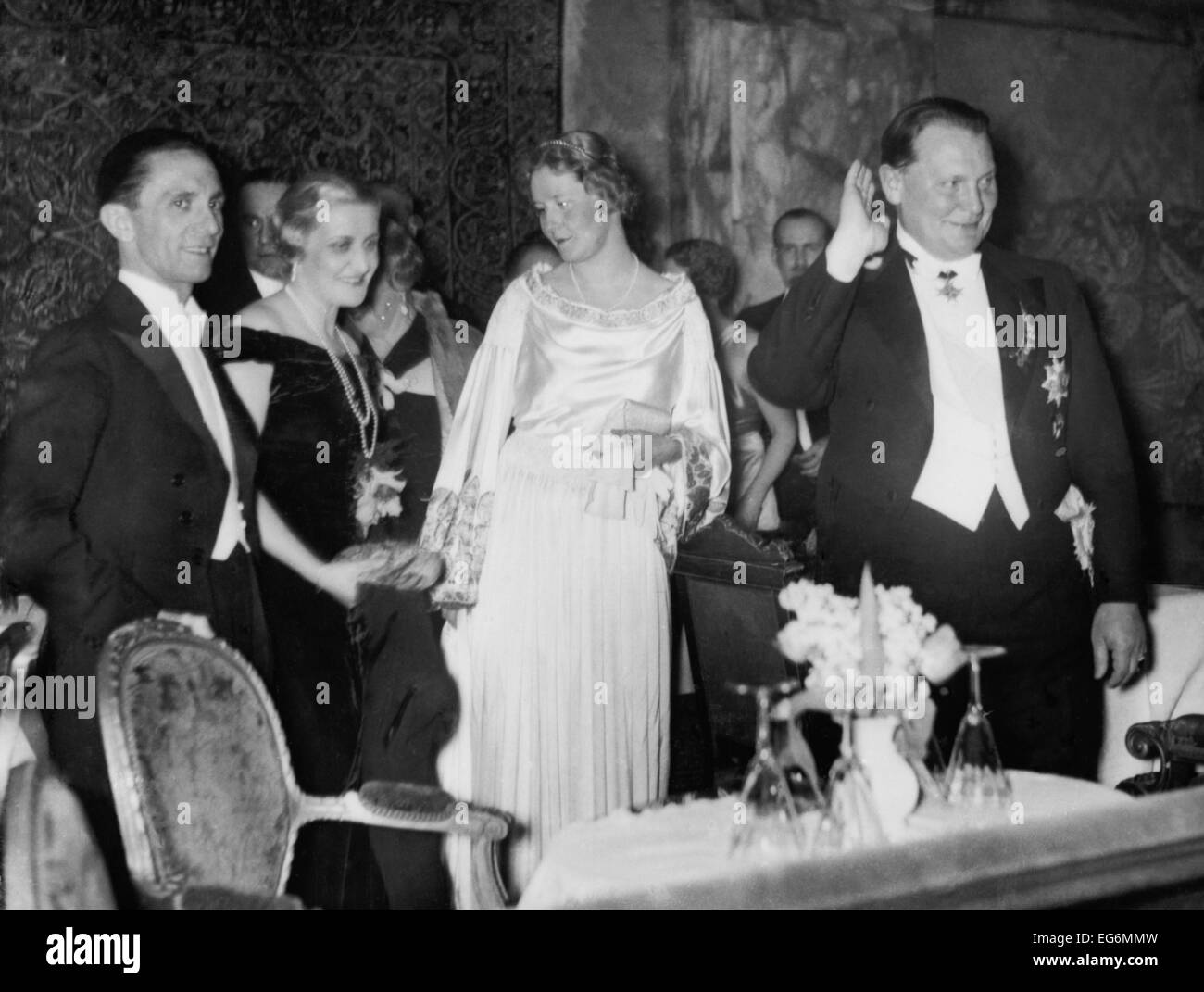 magda goebbels In april 1945, as the soviet army invaded berlin, adolf hitler's reich minister for propaganda joseph goebbels, his wife magda and their six young.