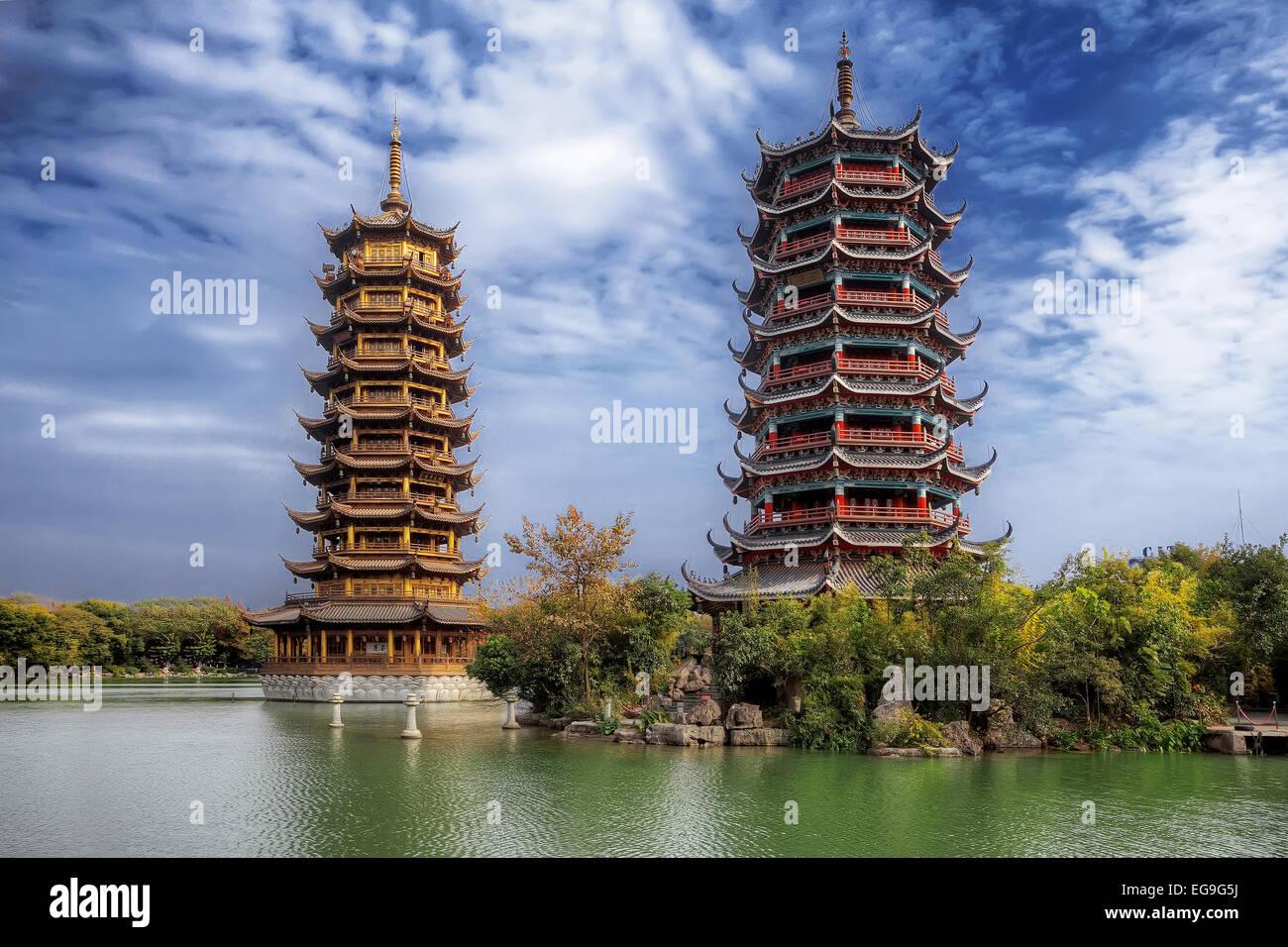 http://c8.alamy.com/comp/EG9G5J/china-guilin-sun-and-moon-twin-pagodas-EG9G5J.jpg
