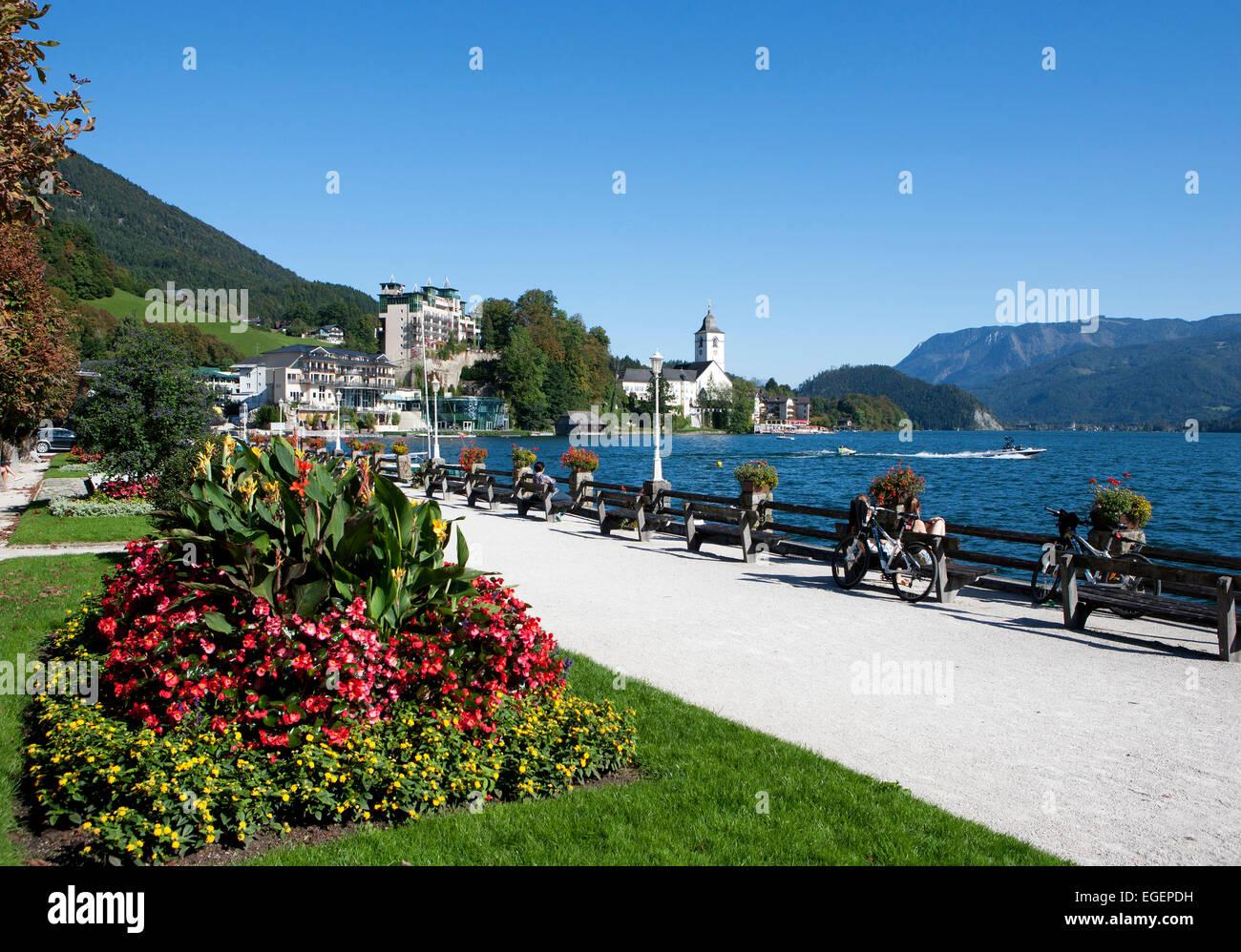 Promenade wolfgangsee lake st wolfgang salzkammergut upper promenade wolfgangsee lake st wolfgang salzkammergut upper austria austria sciox Images
