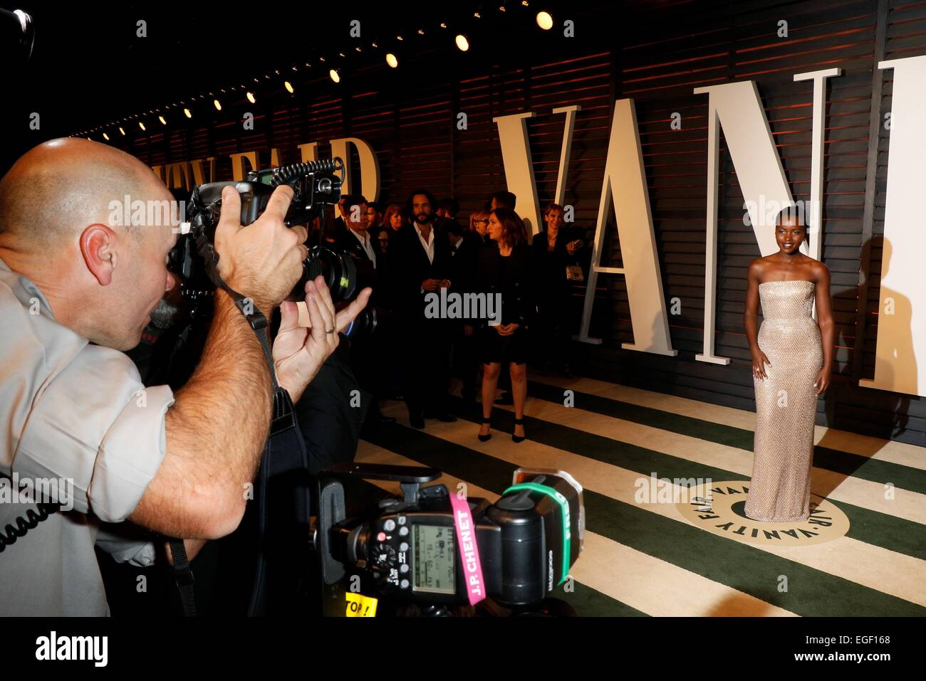 Photographers Taking Pictures Of The Guests Arriving For The Vanity Fair  Oscar Party At Wallis Annenberg
