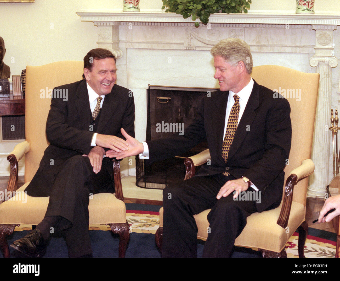 US President Bill Clinton meets with German Chancellorelect