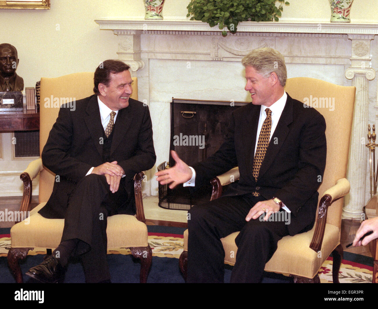 stock photo us president bill clinton meets with german chancellor elect gerhard schroeder in the oval office of the white house october 9 bill clinton oval office