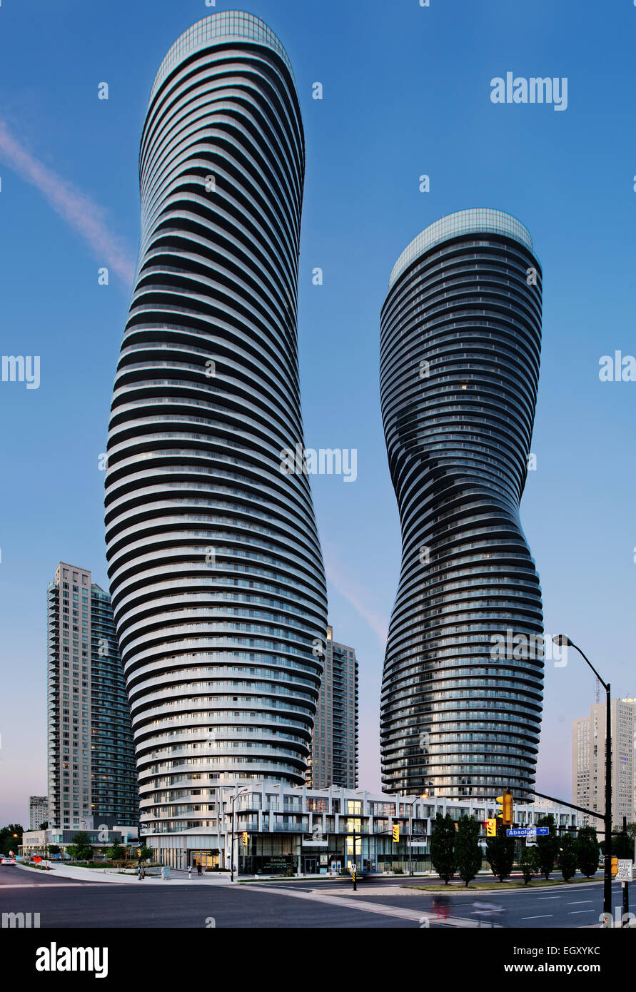 Absolute world towers marilyn monroe towers mad for Absolute towers