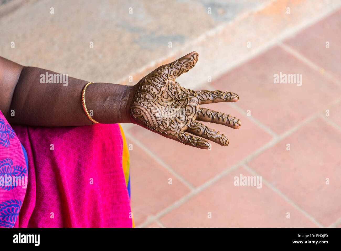 traditional henna tattoo applied to a hand at dakshinachitra heritage stock photo royalty free. Black Bedroom Furniture Sets. Home Design Ideas