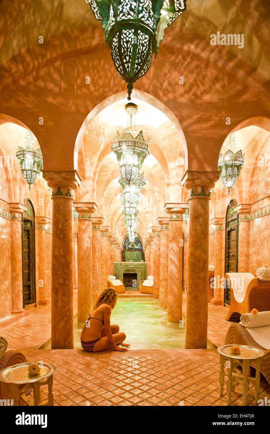 Morocco high atlas marrakech imperial city luxury hotel la sultana 5 stars woman hamman and spa