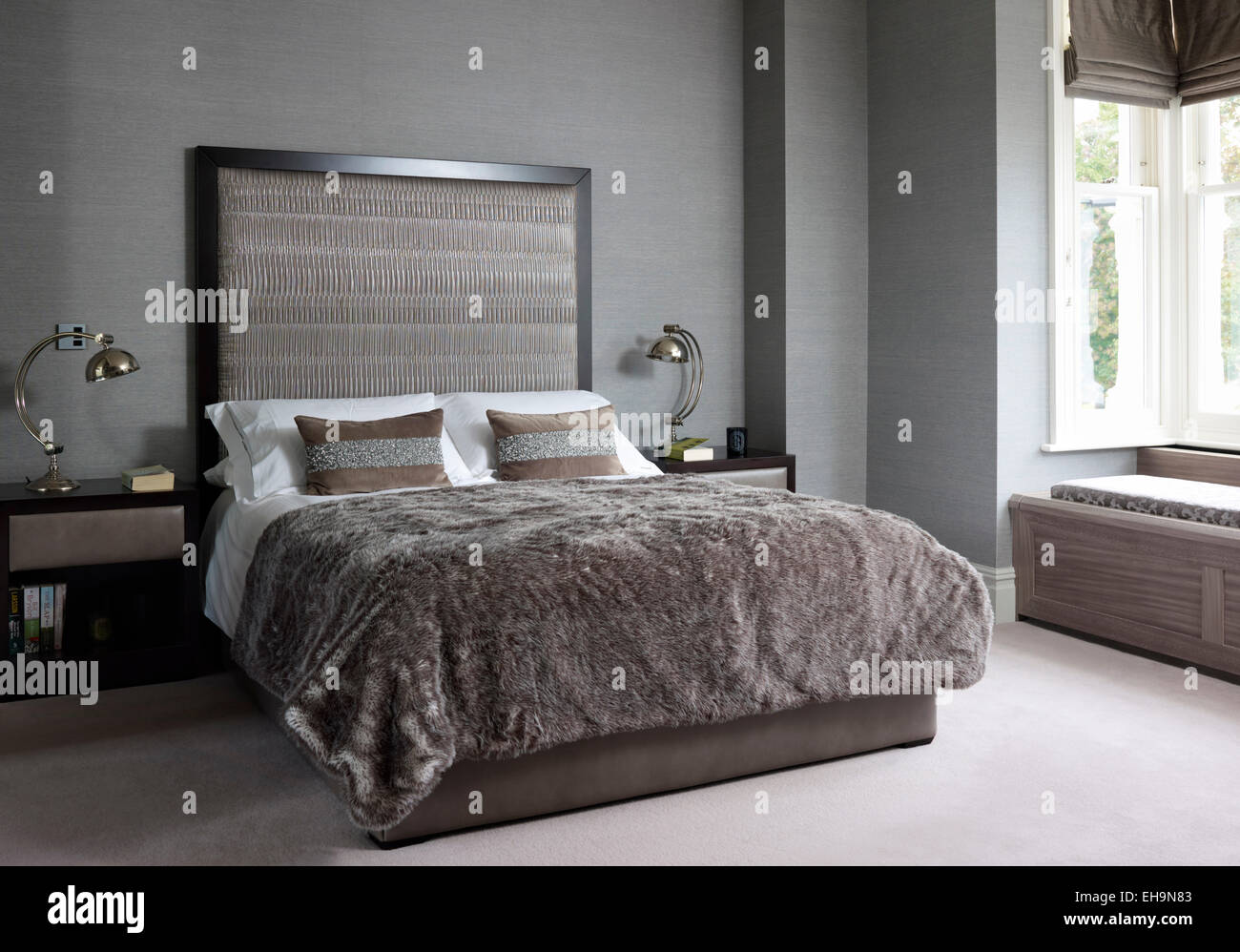 Lamps Bedroom Double Bed With Matching Side Tables And Lamps With Oversized