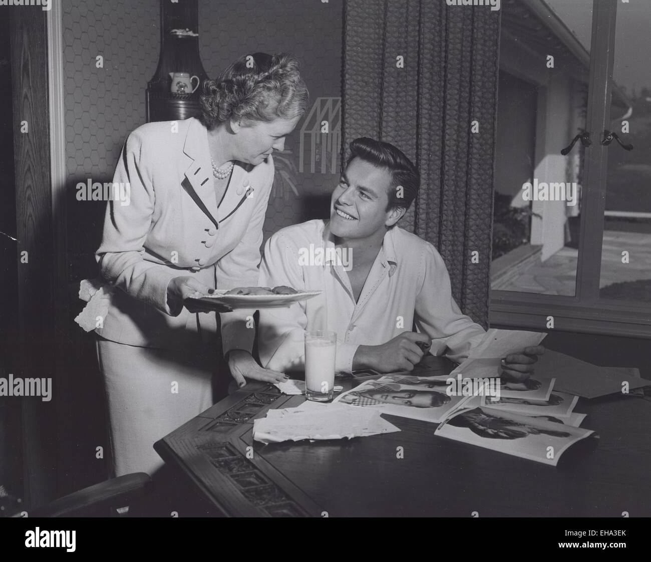 Robert Wagner Mother Smp Globe Photos Zuma Wire Alamy Live