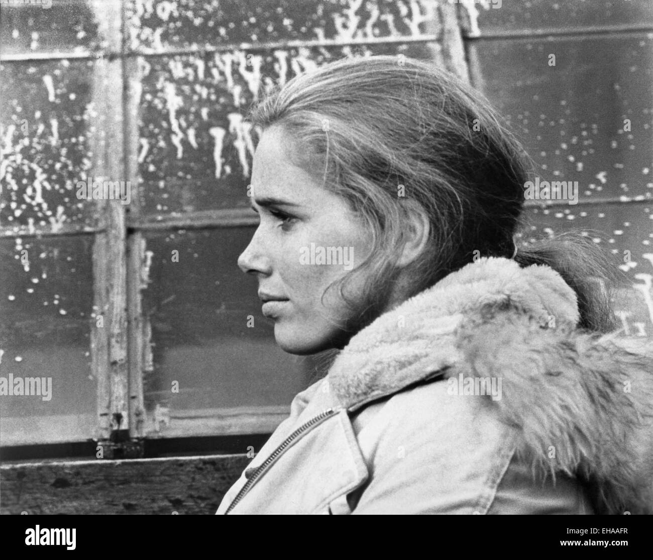 liv-ullmann-on-set-of-the-film-shame-aka-skammen-1968-EHAAFR