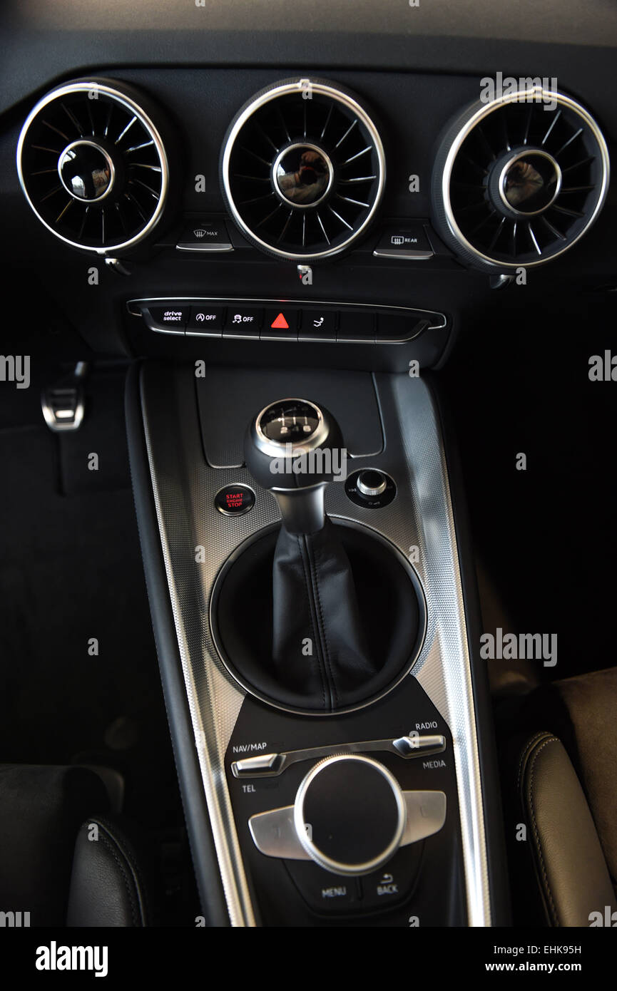 A View Of The Ventilation Slots And Gear Shift Of An Audi TT Car - Anaudi