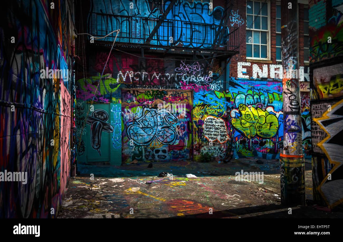 Graffiti wall baltimore - In The Graffiti Alley Baltimore Maryland