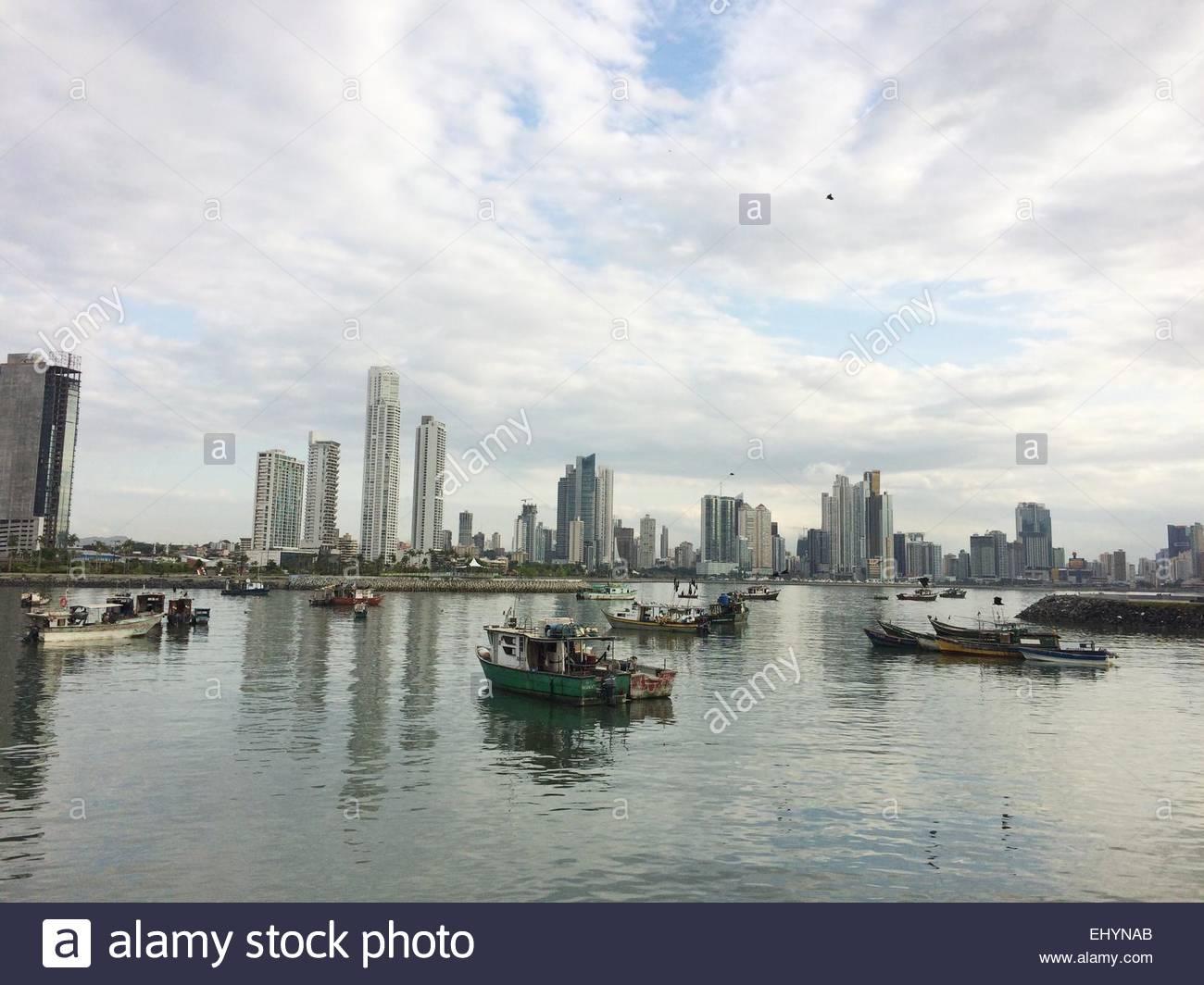 panama-city-skyline-panama-EHYNAB.jpg