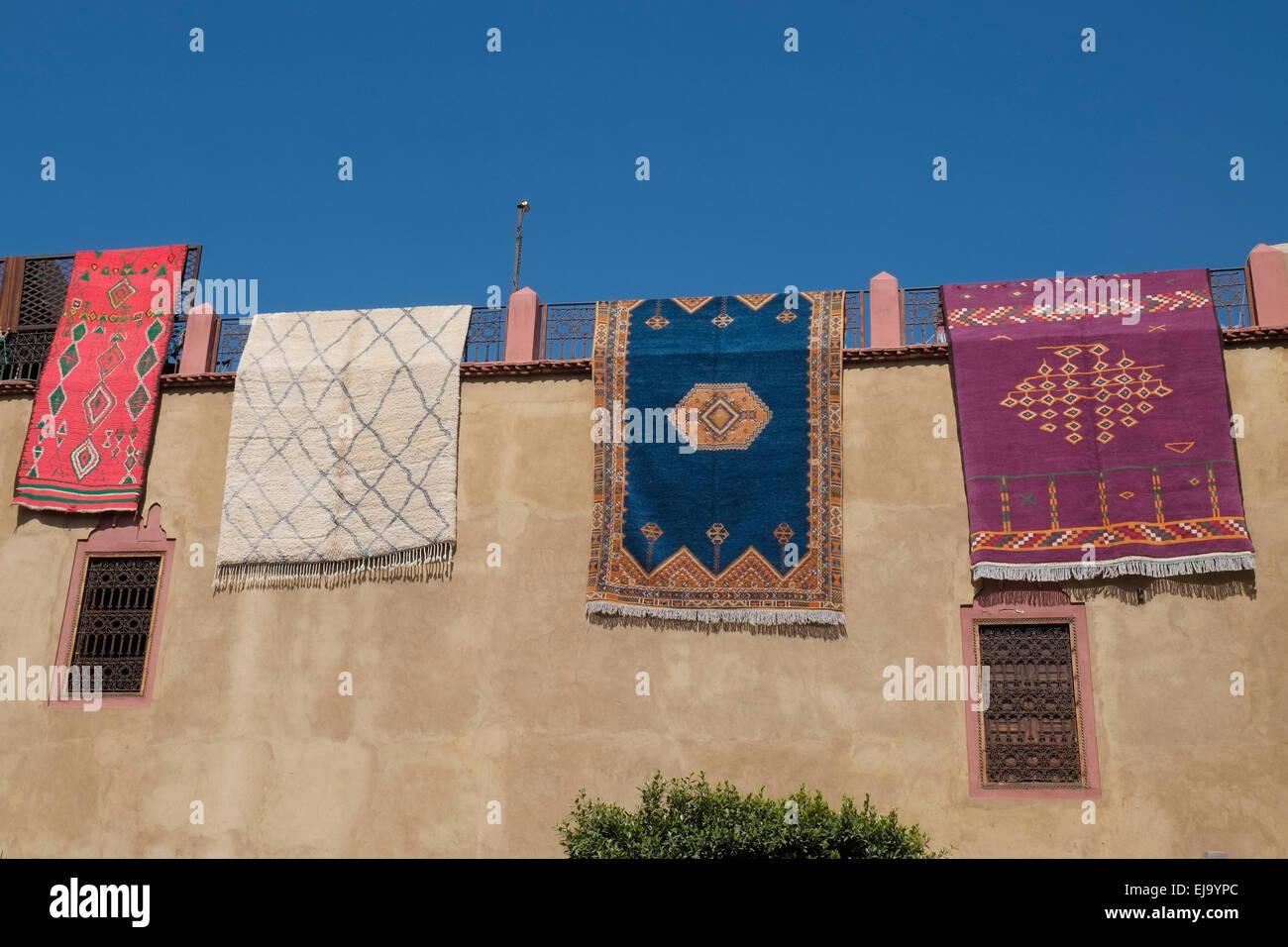 Hanging Rugs Hanging Rugs Stock Photos Hanging Rugs Stock Images Alamy