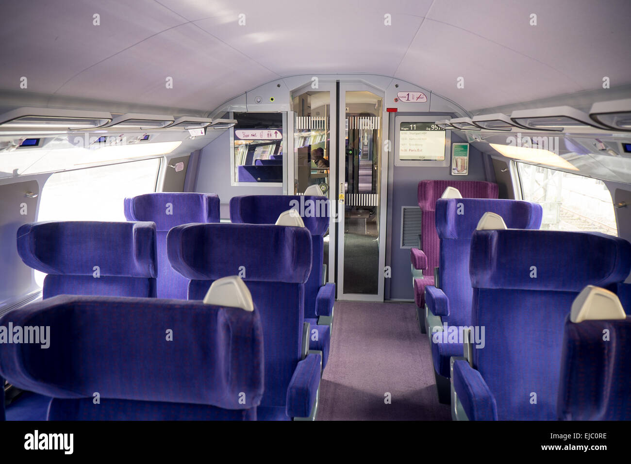 The interior of the first class cabin on a tgv train from for First class 8 interieur