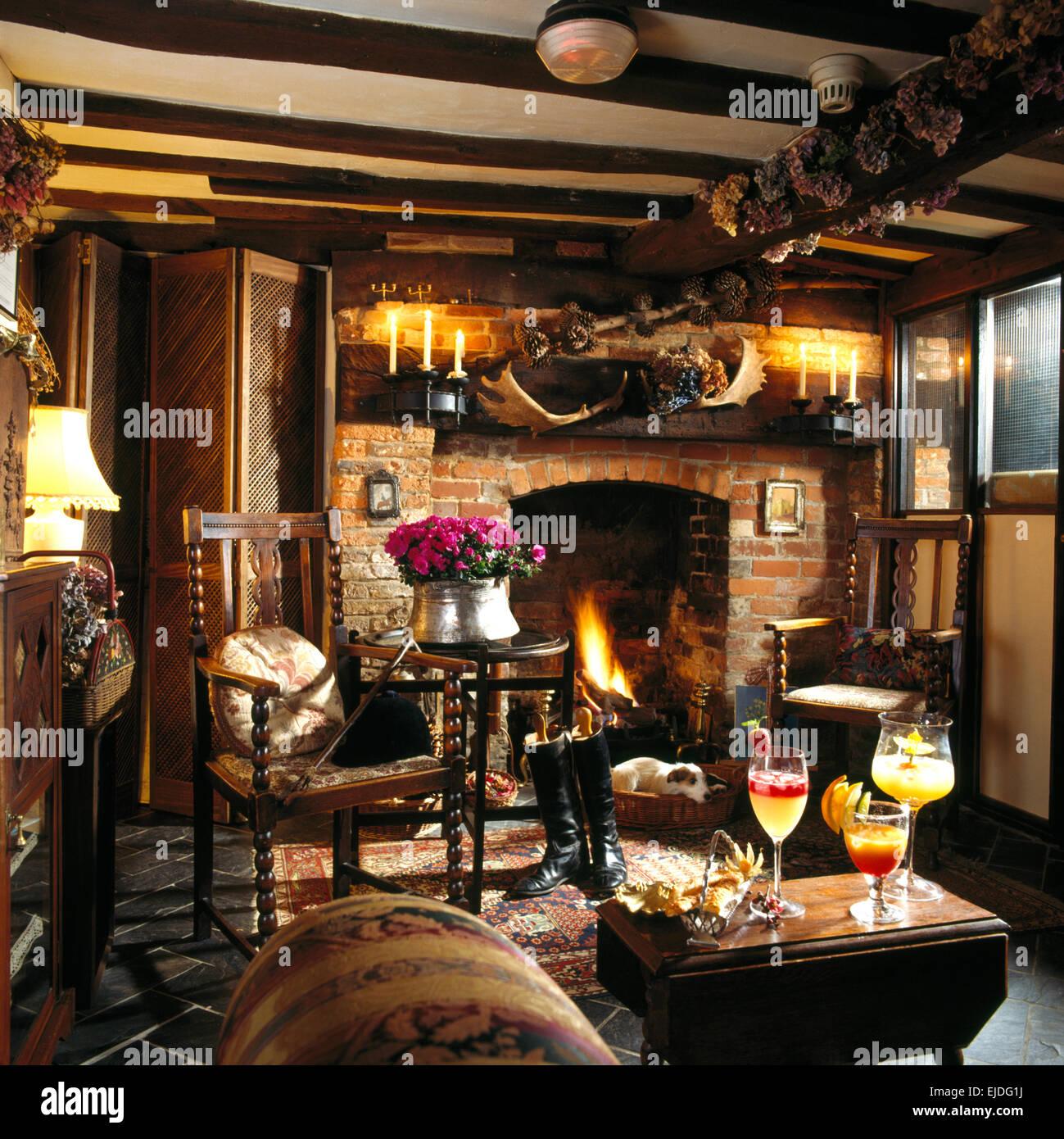 cottage living room old stock photos u0026 cottage living room old