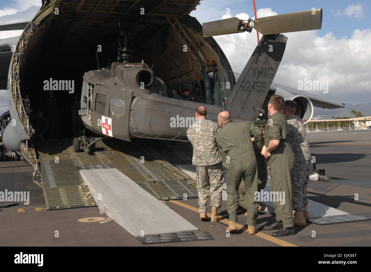 U s army soldiers with the 832nd medical company air ambulance out of westbend wis