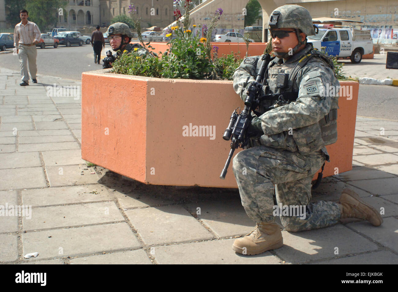 Army Soldiers From Headquarters And Headquarters Company, 1st ...