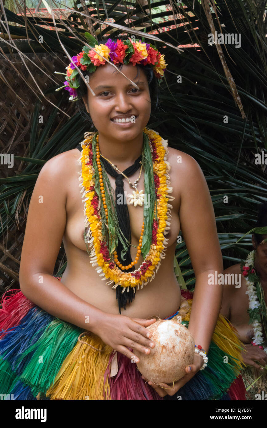 women of micronesia