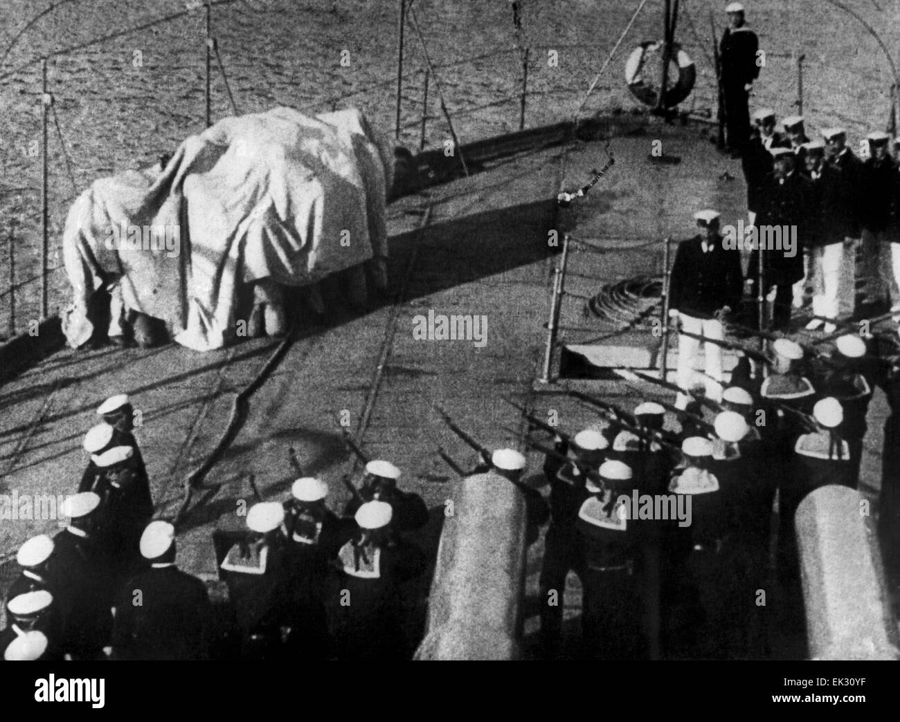 an analysis of the film battleship potemkin The crowds in battleship potemkin aren't just gatherings of people or flimsy socialist symbols, they're living things, engaged in continuous progressions of growth and movement sergei.